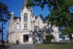 castel-landou-devant-le-chateau-2-448x300